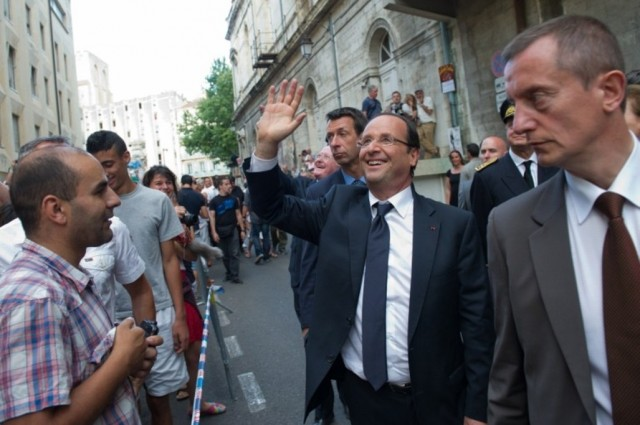 Francois-Hollande-a-Avignon-entre-in-et-off_article_popin[1]