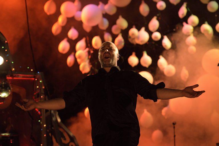 """FESTIVAL 2018 :  BON BILAN POUR LE """"IN"""" ET UN OFF QUI PERPETUE SES MAUVAIS TRAVERS"""